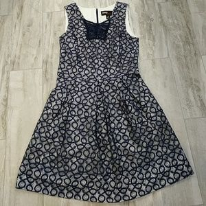 Midi dress white with navy lace